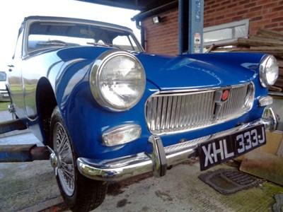 Lot 99-1971 MG Midget 1275