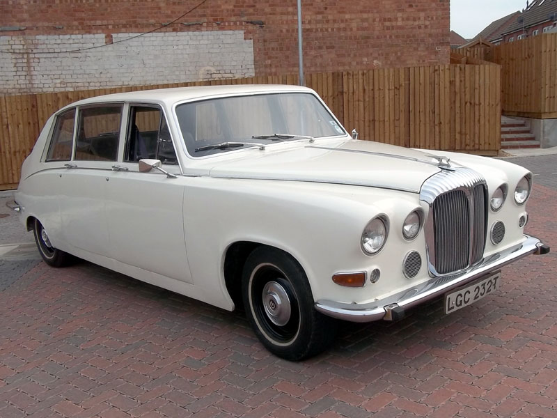 Lot 35-1978 Daimler DS 420 Limousine