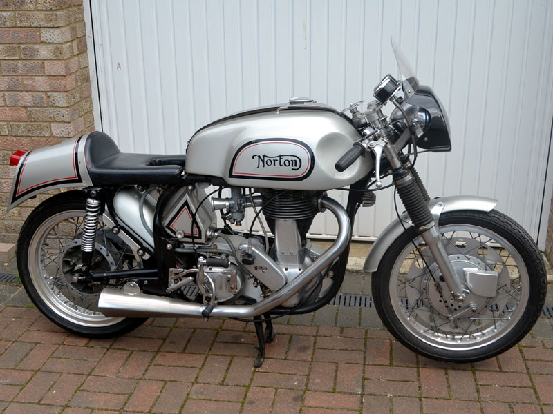 Lot 72-1964 Norton ES2