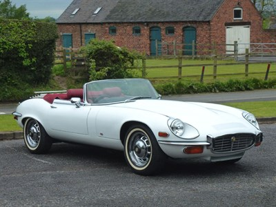 Lot 36-1974 Jaguar E-Type V12 Roadster