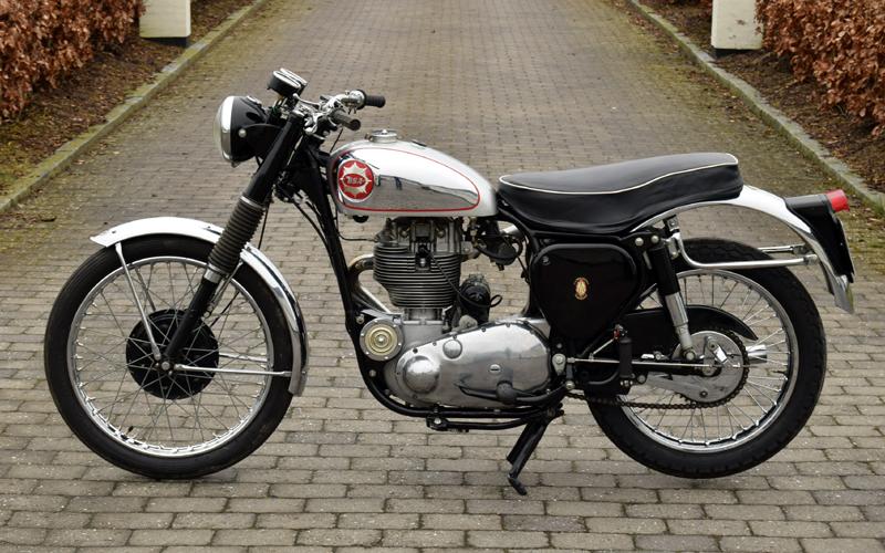 Lot 66-1957 BSA DB34 Gold Star