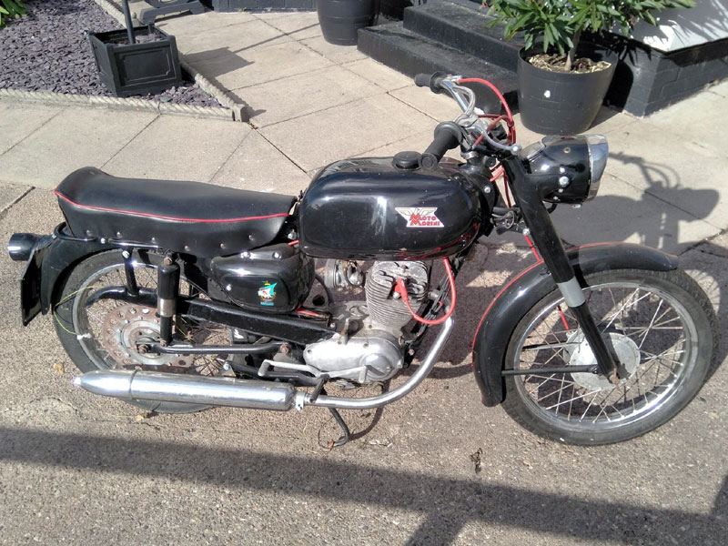 Lot 41 - 1962 Moto Morini Corsaro 125
