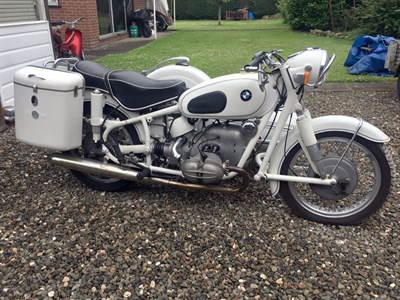Lot 93 - 1961 BMW R69S Combination