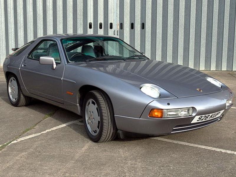 Lot 87-1988 Porsche 928 S4
