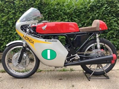 Lot 55 - 1999 Honda 250/4 Mike Hailwood Replica