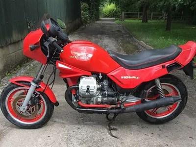 Lot 81 - 1984 Moto Guzzi V35 Imola II