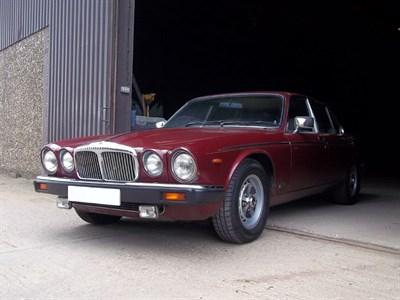 Lot 4-1982 Daimler Sovereign 4.2