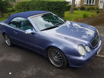 Lot 33-2001 Mercedes-Benz CLK 320 Convertible