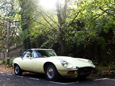 Lot 74-1972 Jaguar E-Type V12 Roadster