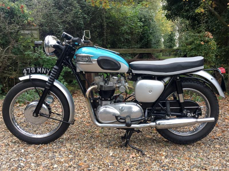 Lot 83-1961 Triumph T120 Bonneville