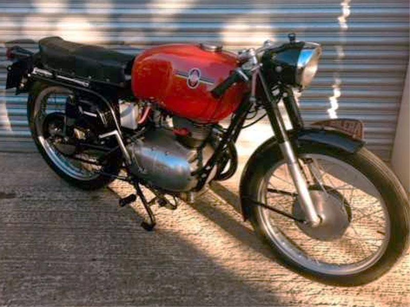 Lot 9 - 1957 Gilera Extra Rosso