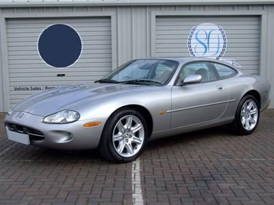 Lot 26 - 1999 Jaguar XK8