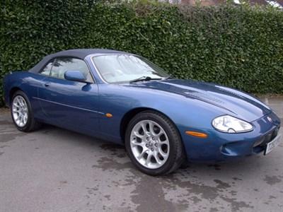 Lot 54 - 1999 Jaguar XKR Convertible