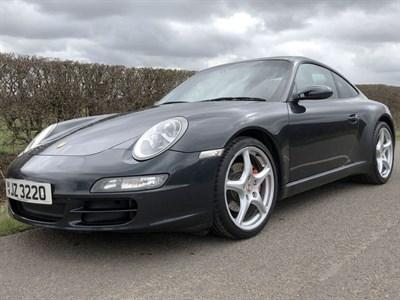 Lot 35-2005 Porsche 911 Carrera 2