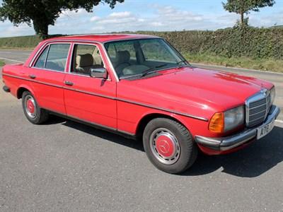 Lot 65-1983 Mercedes-Benz 230 E