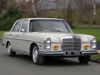Lot 17-1970 Mercedes-Benz 280 S