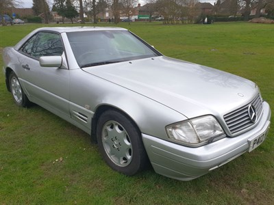 Lot 25-1997 Mercedes-Benz SL 320