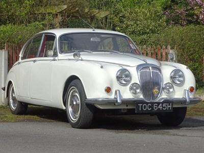 Lot 13-1970 Daimler V8-250