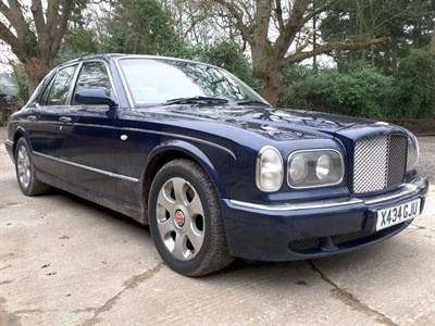 Lot 8-2000 Bentley Arnage Red Label