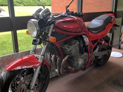 Lot 36 - 1995 Suzuki GSF600 Bandit