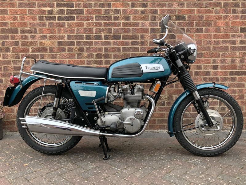 Lot 50-1974 Triumph T150 Trident