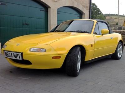 Lot 8-1995 Mazda MX-5 California