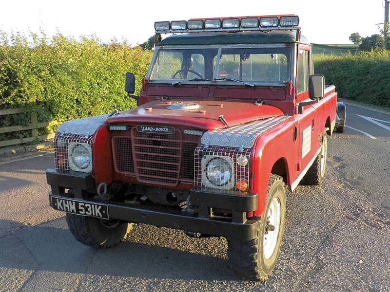 Lot 68-1971 Land Rover 109 Series III
