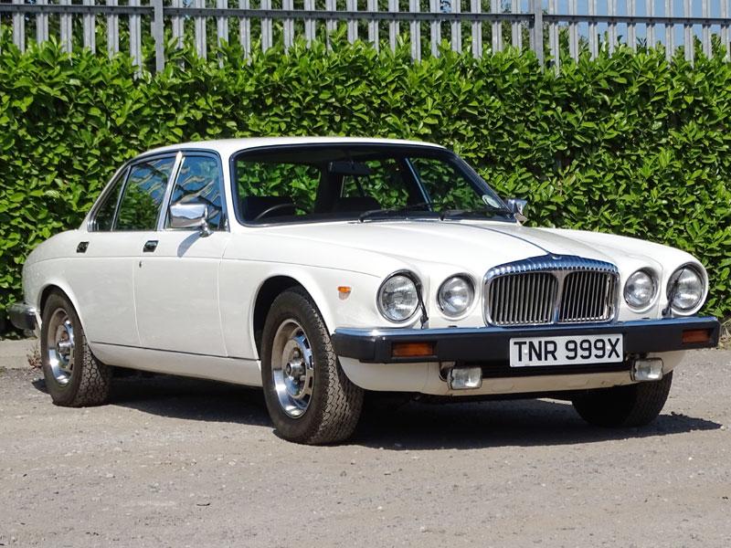 Lot 47 - 1981 Daimler Sovereign 4.2