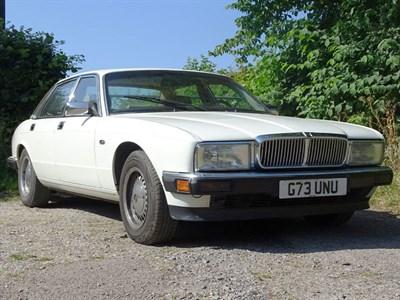 Lot 54-1990 Jaguar Sovereign 4.0