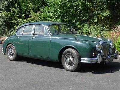 Lot 111-1964 Daimler V8-250
