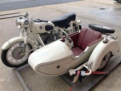 Lot 136 - 1964 BMW R60 Combination