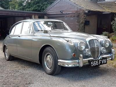 Lot 13-1964 Daimler V8-250