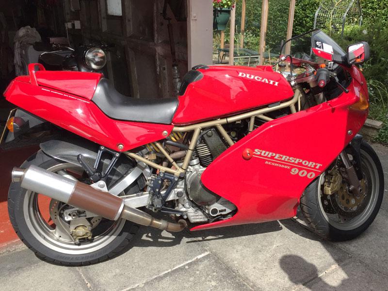 Lot 19 - 1996 Ducati 900 SS