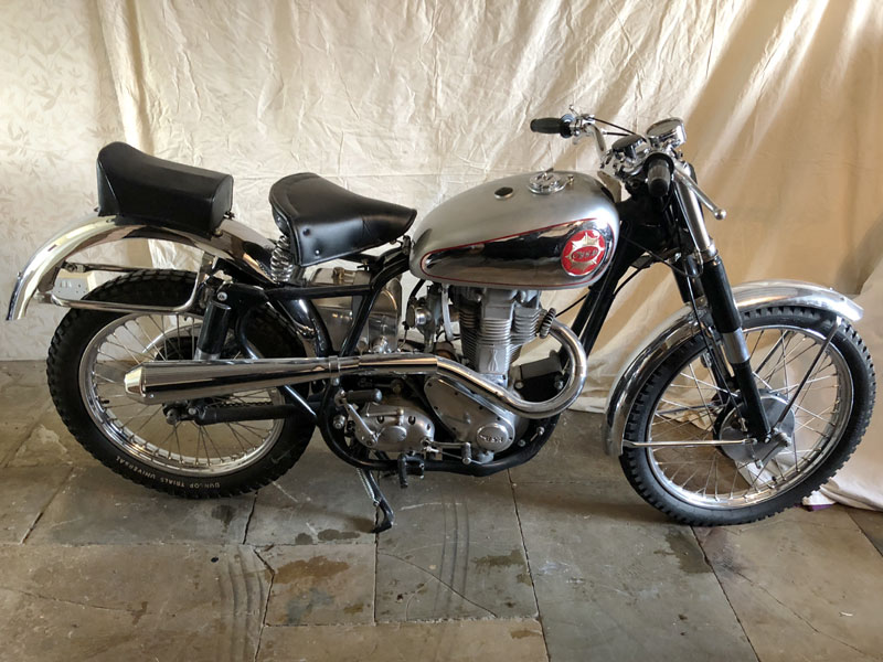 Lot 30-c.1957 BSA DBD34 Gold Star