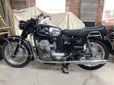 Lot 29-1971 Moto Guzzi V750 Ambassador