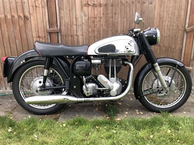 Lot 48-1960 Norton ES2