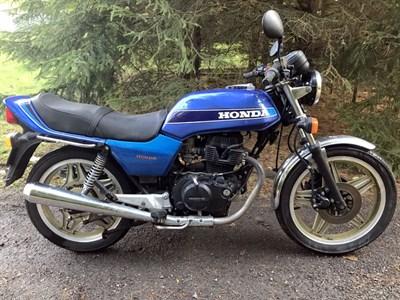 Lot 29 - 1981 Honda CB400N