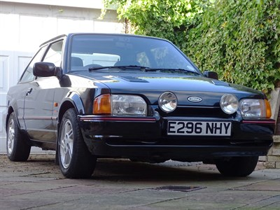 Lot 17 - 1988 Ford Escort XR3i