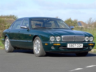 Lot 48 - 1998 Daimler Super V8
