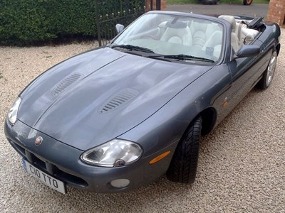 Lot 49 - 2001 Jaguar XKR Convertible