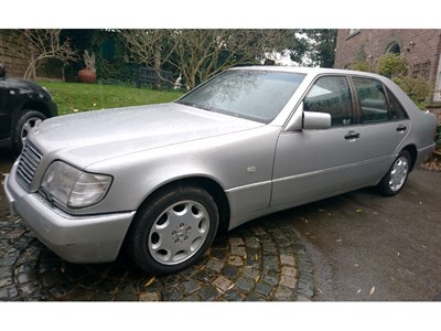 Lot 26-1992 Mercedes-Benz 300 SE Saloon