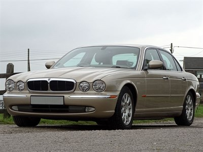 Lot 44 - 2004 Jaguar XJ6 3.0 V6
