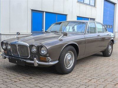 Lot 64 - 1971 Daimler Sovereign 4.2