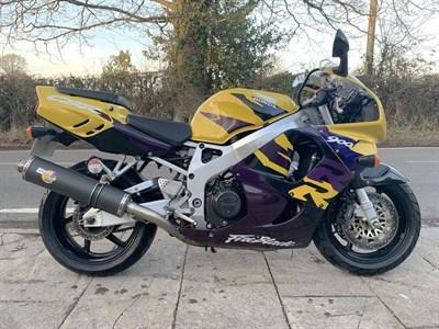 Lot 126-1997 Honda CBR900RR