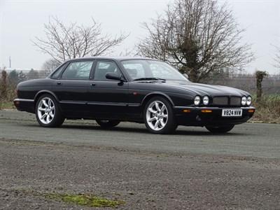 Lot 19-1999 Jaguar XJR 4.0 Supercharged