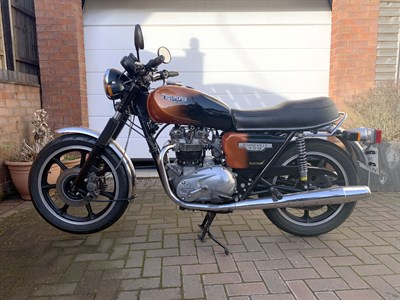 Lot 18-1984 Triumph T140ES Bonneville