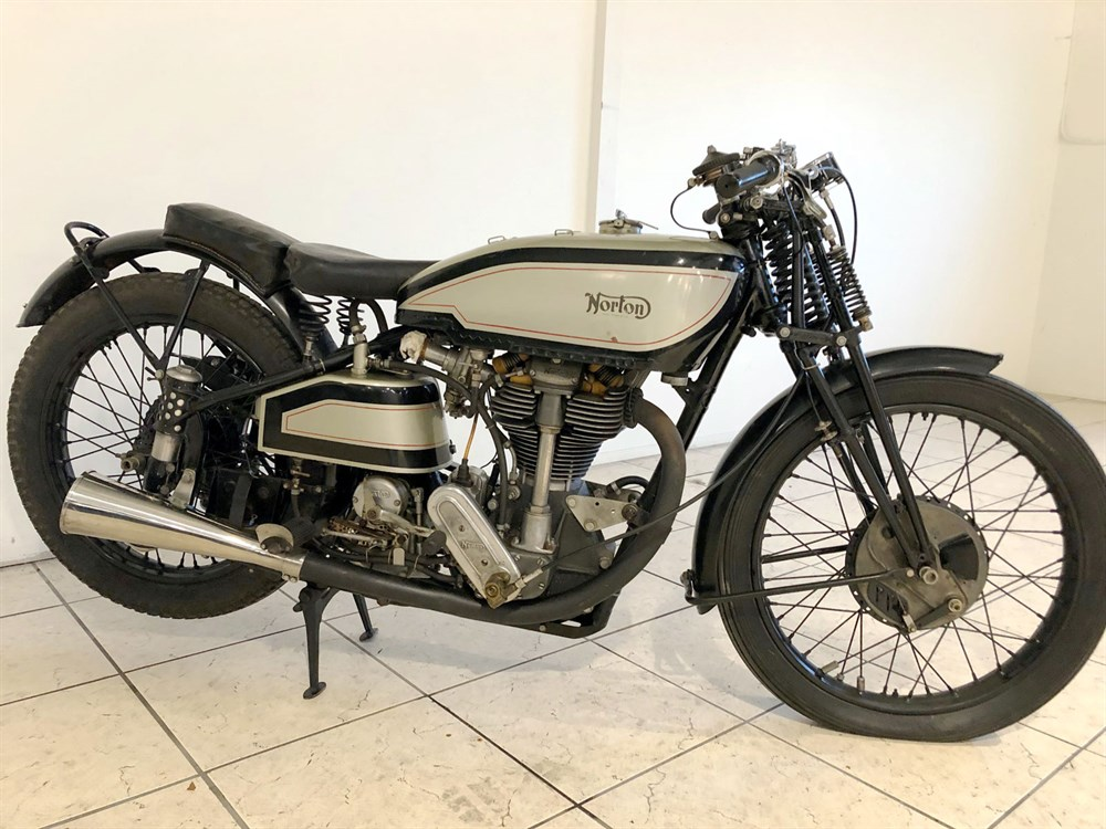 Lot 90 - 1938 Norton Manx 30M