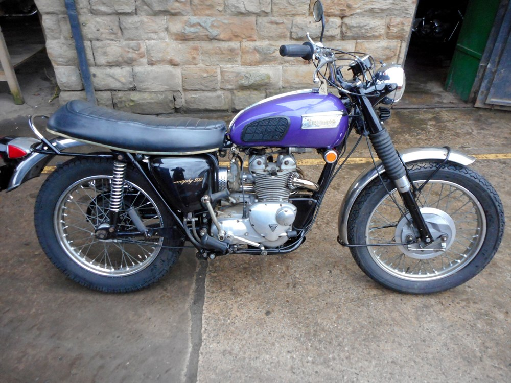 Lot 63 - 1970 Triumph T100C Trophy 500