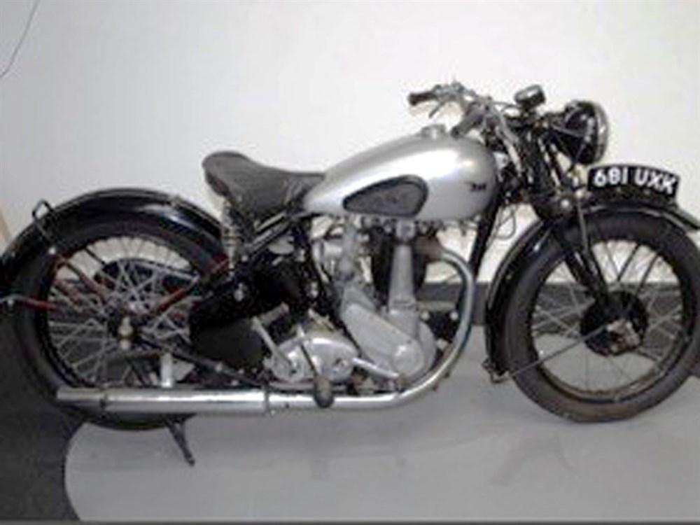 Lot 31 - 1937 BSA H19