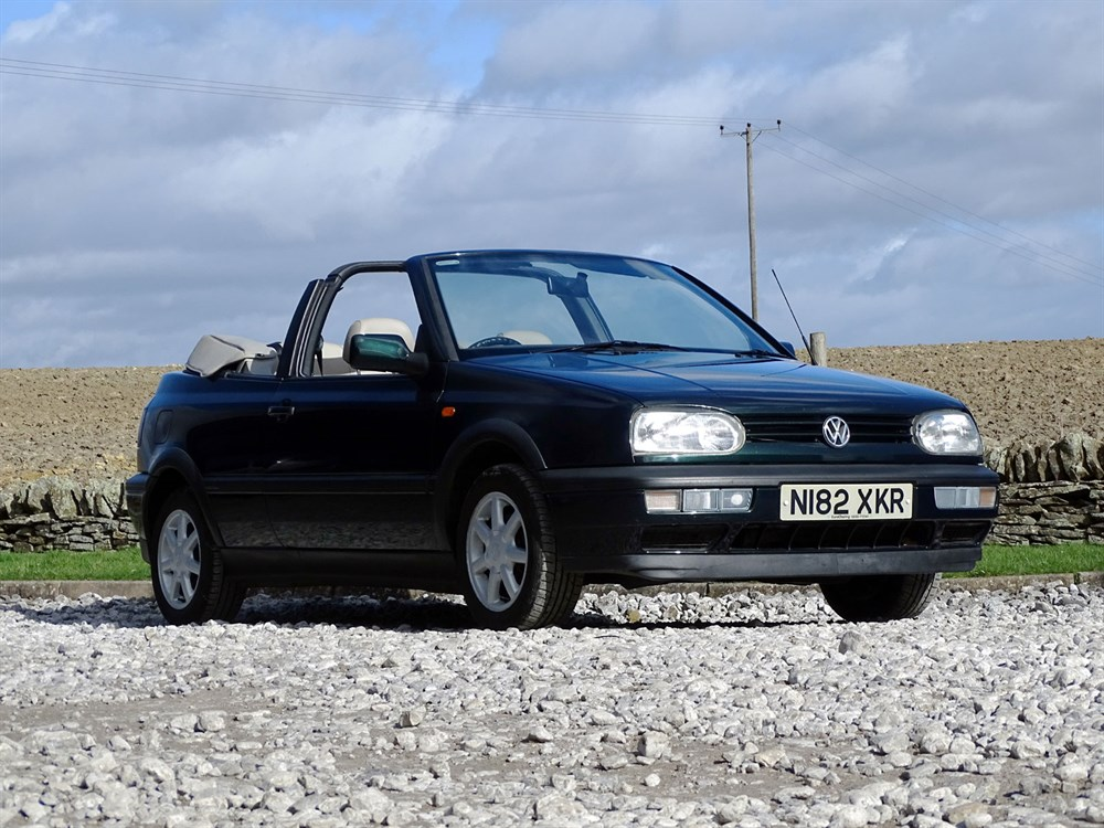 Lot 27 - 1995 Volkswagen Golf Avant Garde Cabriolet